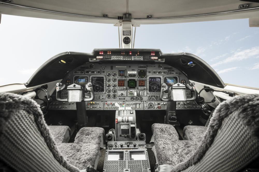 Learjet Cockpick