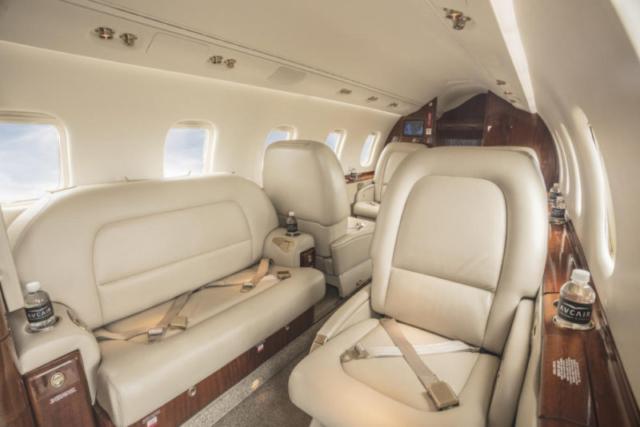 Learjet Seating