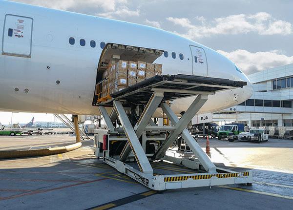https://www.avcair.com/wp-content/uploads/2020/06/air-cargo-image.jpg